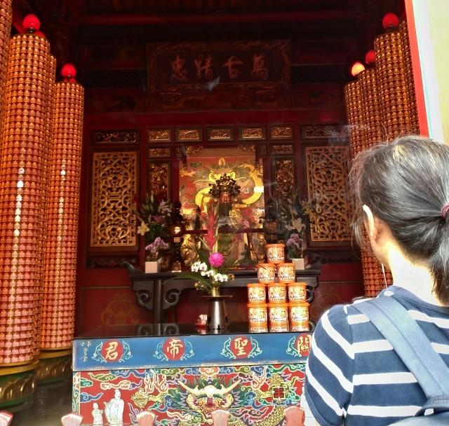 台湾旅行 (4) 目指せ開運、指南宮と龍山寺のお寺巡り_f0100593_17080604.jpg