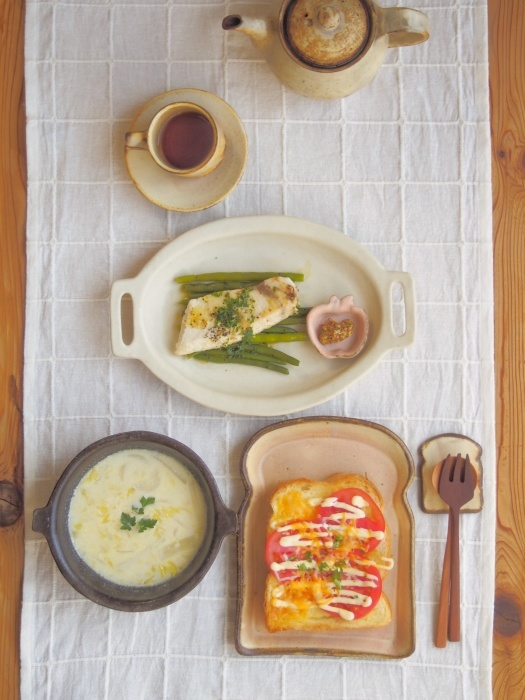 チーズトーストの朝ごはん_b0277136_09423462.jpeg