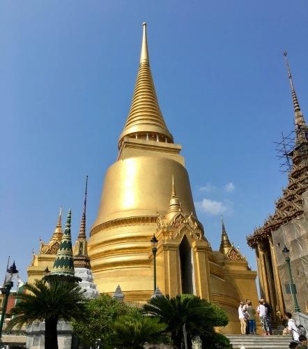 タイの王宮と老舗ホテルへ_b0325640_23133211.jpg