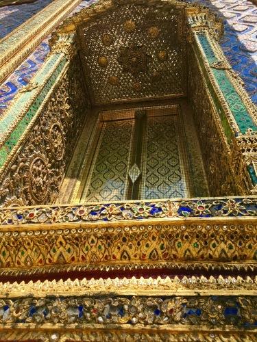 タイの王宮と老舗ホテルへ_b0325640_23145051.jpg