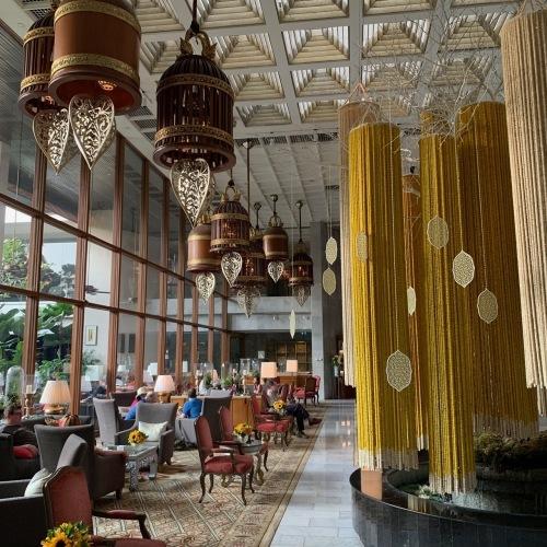 タイの王宮と老舗ホテルへ_b0325640_23414357.jpg