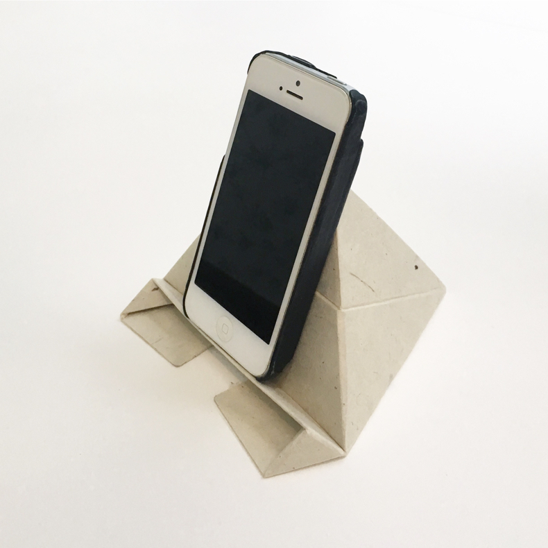 軽くて丈夫、和紙製モバイルスタンド「フォルダブル(Foldable)」_c0060143_11442136.jpg