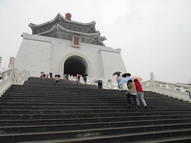 台北の旅 2日目(中正紀念堂)_a0099744_19593170.jpg