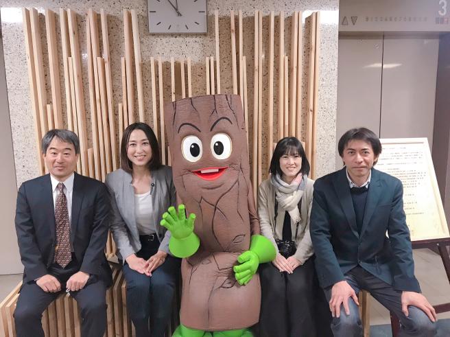 公共施設での木材利用促進〜木育・木づかい〜_b0199244_16404268.jpg