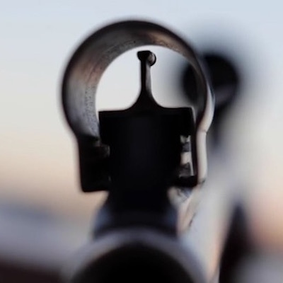 静寂は殺しのサイン/狙う者と狙われる者 アサシンはすぐうしろにいる。_c0109850_01401381.jpg