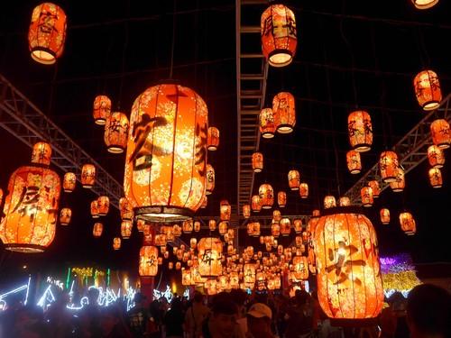 台湾・高雄へ行く。③ 〜台湾最大のランタン祭り〜_f0232060_12312781.jpg