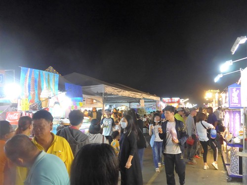 台湾・高雄へ行く。③ 〜台湾最大のランタン祭り〜_f0232060_12482274.jpg