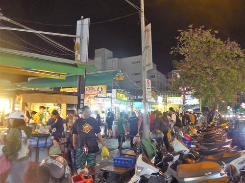 台湾・高雄へ行く。④ 〜高雄の夜市は楽しいな〜_f0232060_16323014.jpg