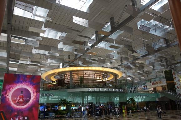 シンガポール2019 チャンギ空港SATSプレミアラウンジ_e0230011_17065206.jpg