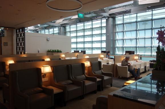 シンガポール2019 チャンギ空港SATSプレミアラウンジ_e0230011_17083226.jpg