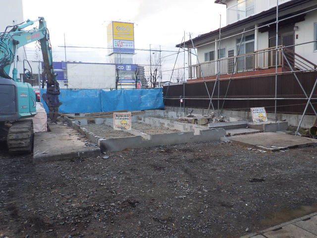 西仙北の家 解体工事と大工の墨付けが進行中。_f0105112_04100029.jpg