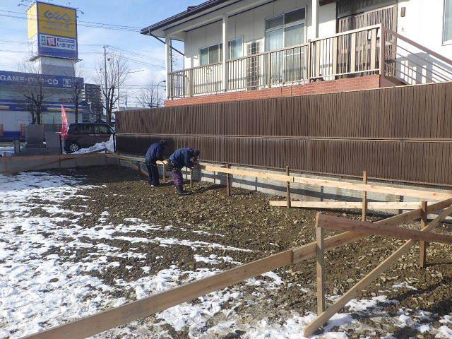 西仙北の家 解体工事と大工の墨付けが進行中。_f0105112_04173280.jpg