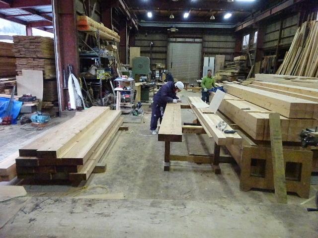 西仙北の家 解体工事と大工の墨付けが進行中。_f0105112_04223664.jpg