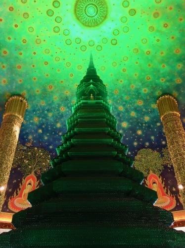 素晴らしいワットパークナムの天井画_b0325640_16295410.jpg