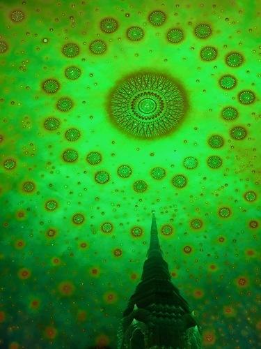 素晴らしいワットパークナムの天井画_b0325640_16300598.jpg