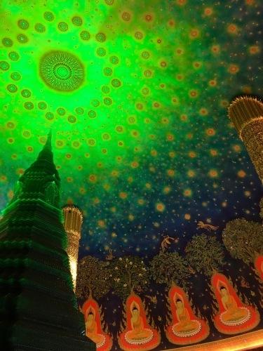 素晴らしいワットパークナムの天井画_b0325640_16301458.jpg