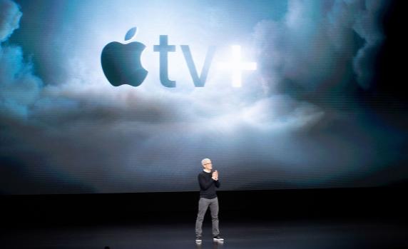 iPhoneの売り上げが伸び悩む中、Appleはビデオ、ゲーム、ニュース、そしてクレジットカードに賭ける_e0404351_17023124.png