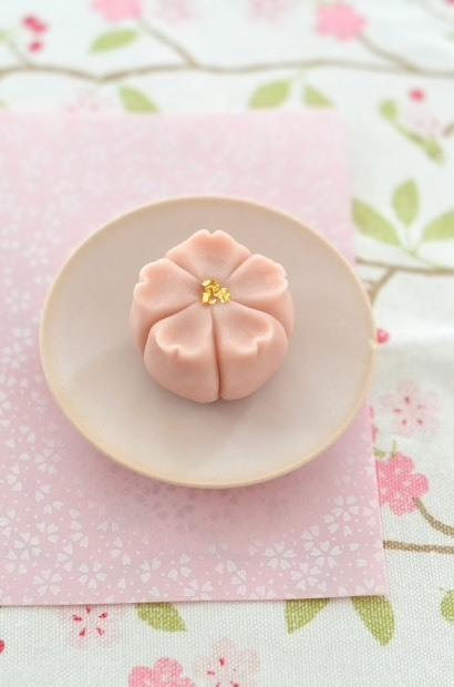 桜開花で、桜練り切り_d0025294_18121076.jpg