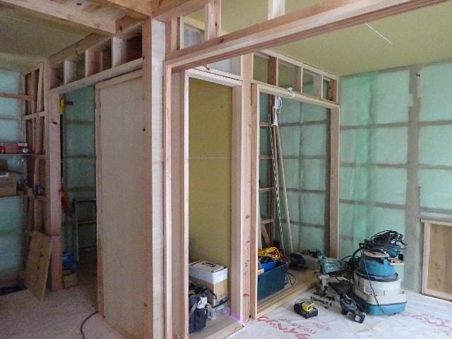 桜台の家 大工工事進行中です。_f0105112_04424364.jpg