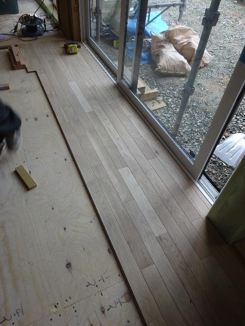 桜台の家 大工工事進行中です。_f0105112_04502424.jpg
