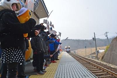 三陸鉄道リアス線誕生を祝うのだ!_c0259934_09493306.jpg