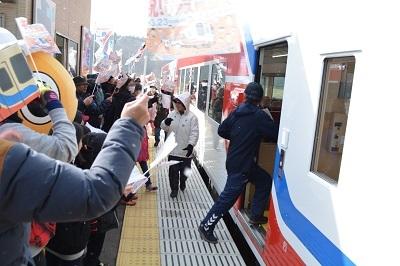 三陸鉄道リアス線誕生を祝うのだ!_c0259934_09493390.jpg