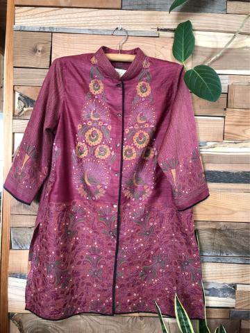 インドよりカンタ刺繍のお洋服が届きました!_d0187468_12002631.jpg