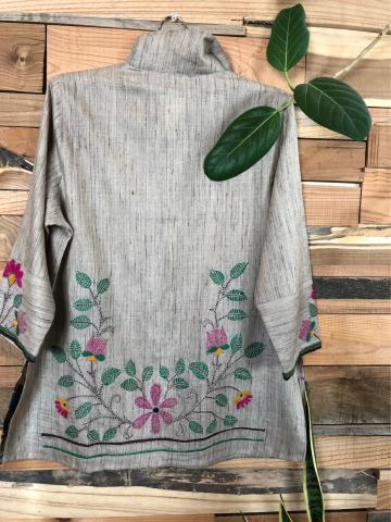 インドよりカンタ刺繍のお洋服が届きました!_d0187468_12122385.jpg