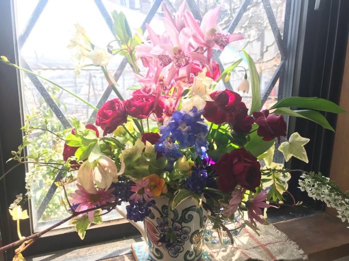 春のフラワーアレンジメント_e0233674_10500660.jpg