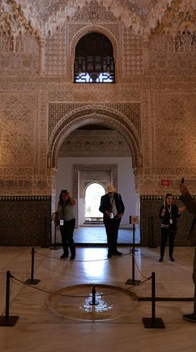 スペインのイスラム建築2ー形式の中の豊かな庭園_a0166284_17212626.jpg