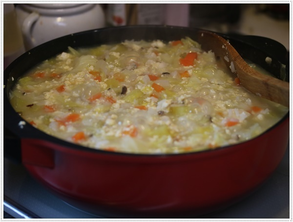 さくらと大のご飯がな~い。。。大急ぎで作ったけど、喜んで食べてくれるから作り甲斐あるよ!!_b0175688_20350392.jpg