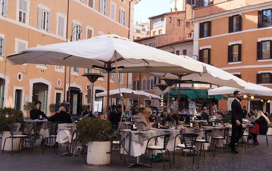 ローマを楽しく歩こう_f0106597_16520718.jpg