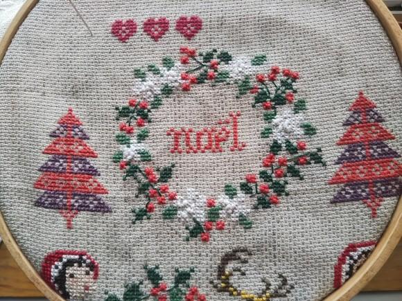 クリスマス刺繍が!_f0316507_11425699.jpg