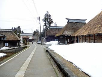 新潟県高柳町の民家を視察しました。_c0195909_11122068.jpg