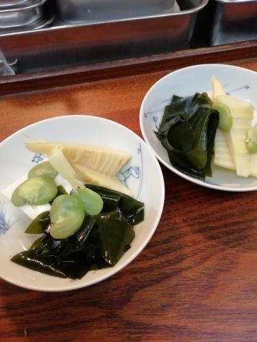 ゴマ豆腐、筍、新ワカメ、空豆。_e0116211_13254021.jpg