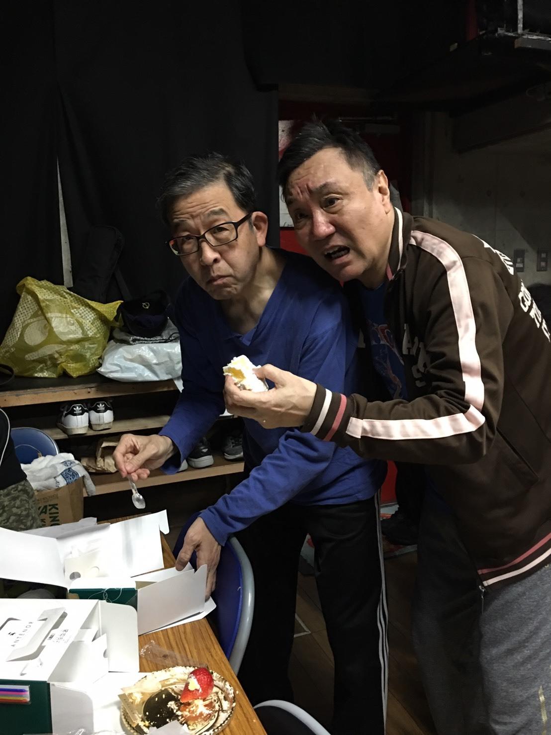 稽古場でお誕生会♡_a0163623_14433790.jpg