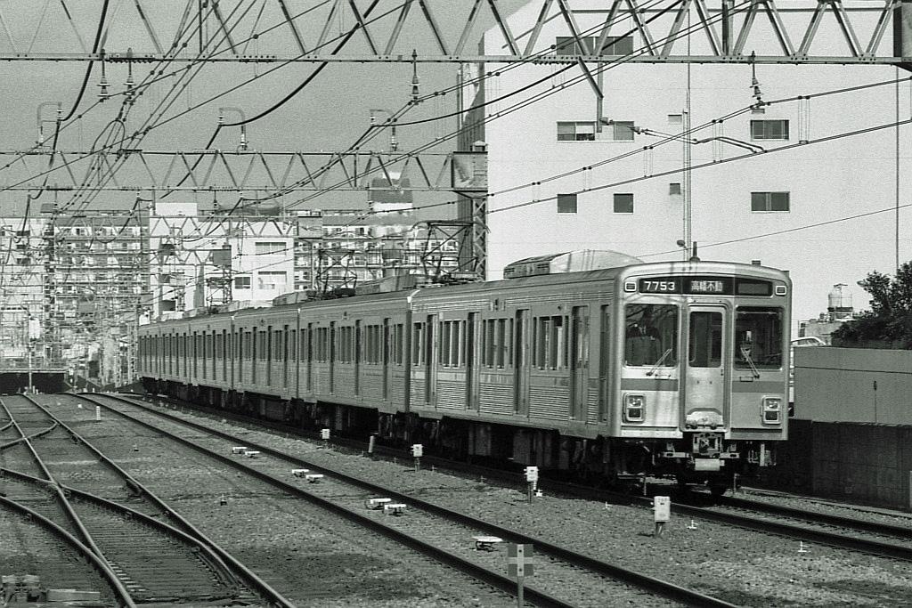 1989年3月京王線笹塚にて_f0203926_21372650.jpg