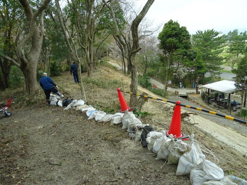 復旧した小川周辺の整備・・・うみべの森_c0108460_16243852.jpg