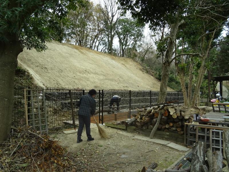 復旧した小川周辺の整備・・・うみべの森_c0108460_16312766.jpg