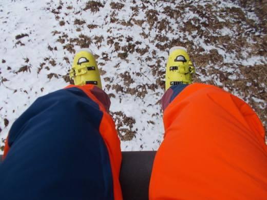 最初の一本目のリフトはスキーを履いて乗る事が出来ず......_b0194185_22100412.jpg