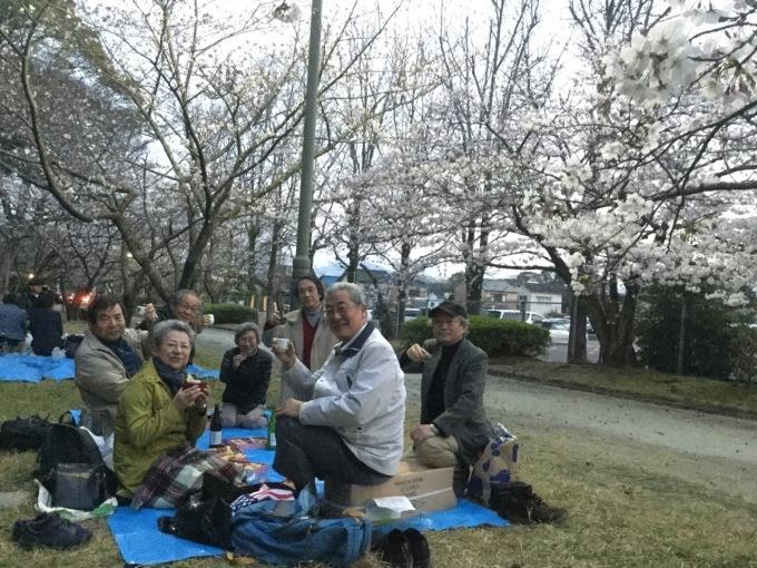 <舞鶴公園 春の宴>_d0016397_17155035.jpg
