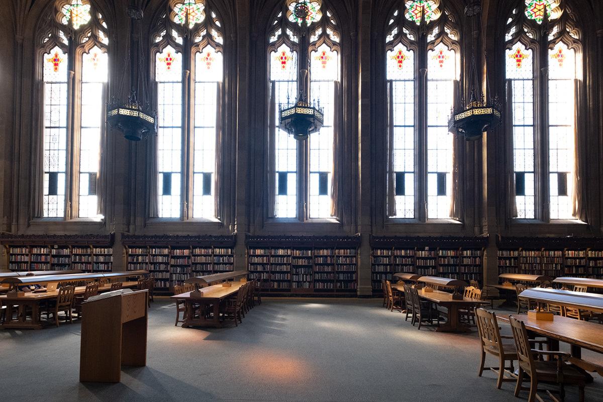 シアトル紀行 ワシントン大学の素晴らしい図書館で #FUJIXPro2_c0065410_00374042.jpg