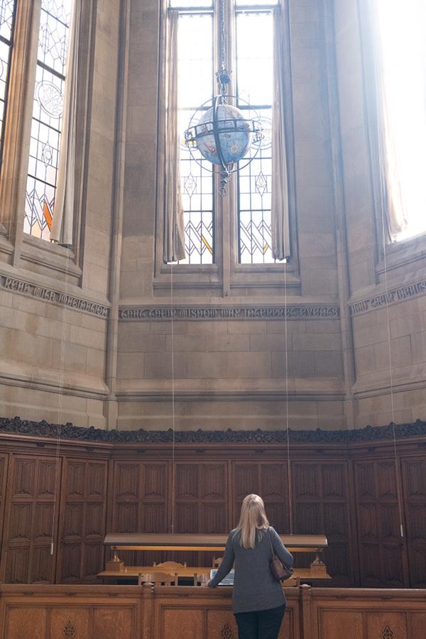 シアトル紀行 ワシントン大学の素晴らしい図書館で #FUJIXPro2_c0065410_00375293.jpg