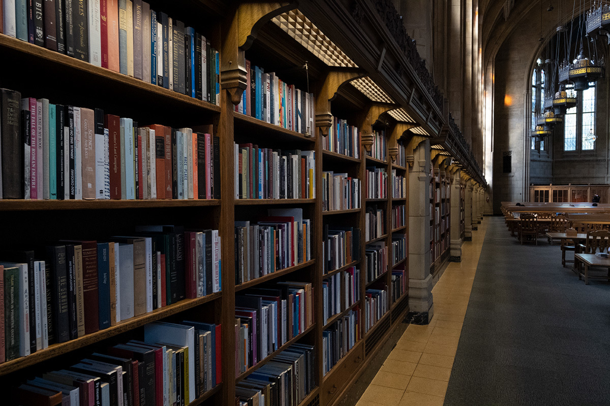 シアトル紀行 ワシントン大学の素晴らしい図書館で #FUJIXPro2_c0065410_01302090.jpg