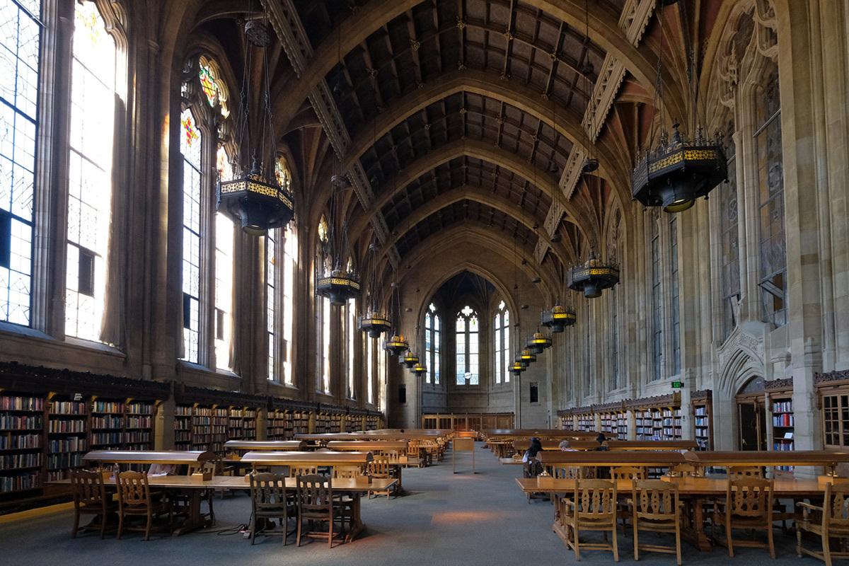 シアトル紀行 ワシントン大学の素晴らしい図書館で #FUJIXPro2_c0065410_01303990.jpg
