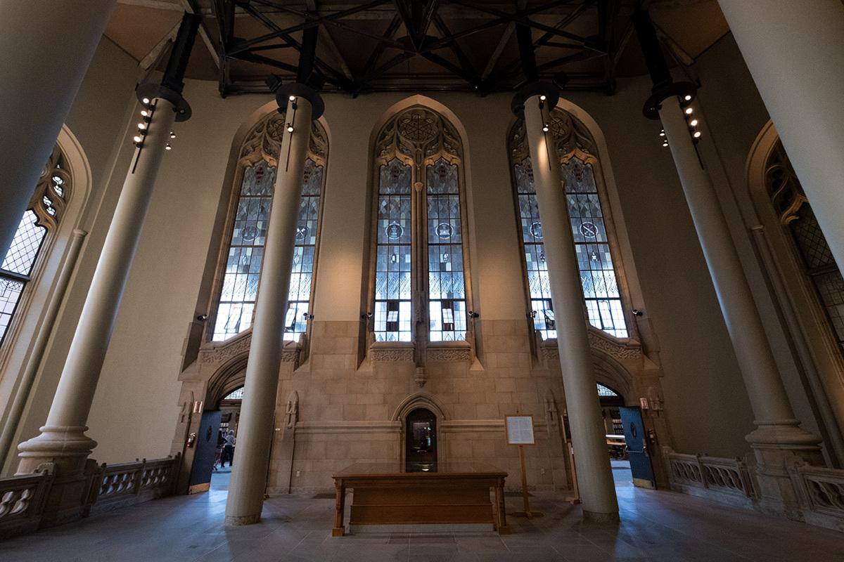 シアトル紀行 ワシントン大学の素晴らしい図書館で #FUJIXPro2_c0065410_01304590.jpg