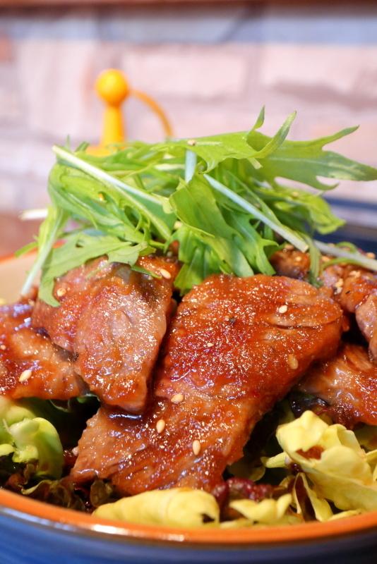 焼肉にくよしで、牛焼肉丼_a0077663_06173853.jpg