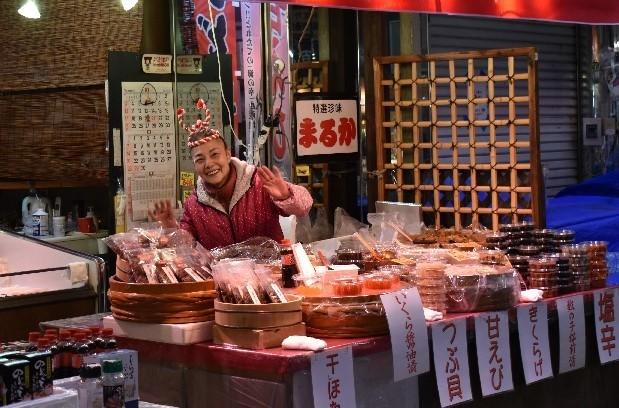金沢、昼の部、チョイ食べ歩き。どれも美味しい!_f0362073_05243409.jpg