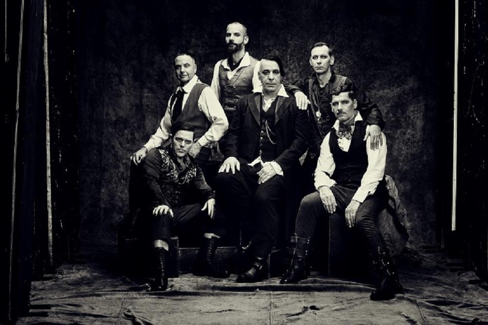 Rammsteinの新譜リリースが5月17日に決定/新曲公開_b0233987_22203708.jpg