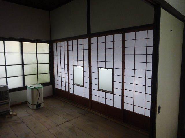 加賀野 古家改修工事 進行中。_f0105112_04565158.jpg